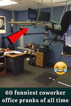 If you're like most people in this day and age, the thought of office pranks makes you think of, well, The Office. The NBC sitcom brought us master prankster Jim Halpert. Right from the start of the show, he was putting desk items in Jell-O and wrapping things in gift wrap. And of course, the pranks only got better from there. Flannel Outfits, Cardigan Outfits, Cozy Winter, Casual Winter, Big And Beautiful, Beautiful Bags, Smoking Eyes, Classy Outfits, Cute Outfits