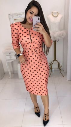 Polka Dot Bodycon Dresses, Polka Dot Summer Dresses, Classy Work Outfits, Classy Dress, Modest Fashion, Fashion Dresses, Sophisticated Dress, Trend Fashion, Mode Chic