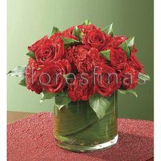 centros de mesas con rosas y claveles rojos