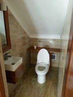 Best Under The Stairs Bathroom Decor Powder Rooms 53 Ideas – Under stairs powder rooms Upstairs Bathrooms, Attic Bathroom, Bathroom Layout, Basement Bathroom, Bathroom Interior, Modern Bathroom, Small Bathroom, Basement Toilet, Bathroom Designs