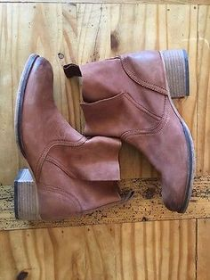 Ecote Side Overlap Boot Size 8 - Sold At Urban Outfitters