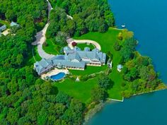 Most expensive homes in America - Business Insider Mega Mansions, Mansions For Sale, Mansions Homes, Les Hamptons, Hamptons House, Villas, Colonial Mansion, 1 Real, Dream Houses