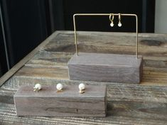 … Jewellery Storage, Jewelry Organization, Jewellery Display, Craft Fair Table, Craft Fair Displays, Accessories Display, Jewelry Showcases, Earring Display, Jewelry Stand
