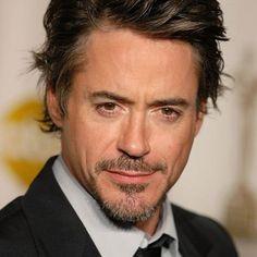 He is Iron Man: Robert Downey Junior, my favourite-make-me-laugh actor Robert Downey Jr Wife, Hero Marvel, Vampire Diaries, Actrices Hollywood, Raining Men, Downey Junior, Tony Stark, Pretty People, Beautiful People