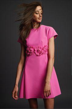 Fashion 2020, Fashion Show, Fashion Design, Fashion Trends, Elegant Dresses, Beautiful Dresses, Tie Up Shirt, Estilo Glamour, Vogue Paris