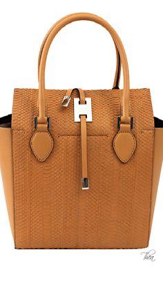 Michael Kors Miranda Tote is perfect for a tropical outfit!I Adore Michael Kors! Mk Handbags, Cute Handbags, Fashion Handbags, Purses And Handbags, Fashion Bags, Womens Fashion, Sac Michael Kors, Cheap Michael Kors, Michael Kors Outlet