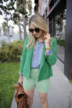 Get shorty. Short suits are right on-trend this season. I love how Emily Schuman of Cupcakes and Cashmere created a monochromatic look with a blazer a pair of striped shorts.