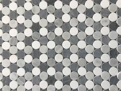 La Maison en Pierre Penny Rounds x Marble Mosaic Tile in White/Gray Ceramic Mosaic Tile, Stone Mosaic Tile, Marble Mosaic, Mosaic Glass, Best Floor Tiles, Grey Tiles, Wall Cladding, Wall Tiles, Shower Pan