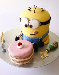 despicable me cake- the minion is so cute!!!!!!  (never too old to have a cute cake like this for my birthday:)