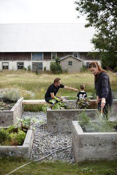 Concrete kitchen garden.  Photo source:  Skarp Agent (unverified).