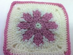 """Day 11: 6"""" Block of the Day - Grannie's Red Flower Square by Melanie Stiles  Free Pattern: http://kaleidesigns.com/crochet/patterns/archive/gran012.html  June 2013 #TheCrochetLounge #6""""Square Pick"""