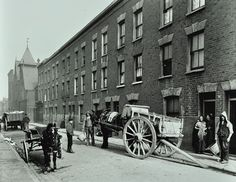 Dustmen and dust cart in Beckett Street Camberwell London 1903 A horse waits with a cart while men with baskets collect refuse from threestorey. South London, Old London, Camberwell London, London Places, Greater London, London Photos, Days Out