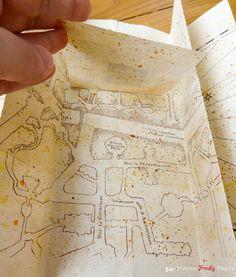 Après vous avoir présenté ici une mini version de la carte du maraudeur  dont le design avait été créé par une fan, voici le tutoriel de cré...