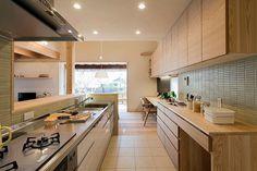 カップボード Kitchen Island, Interior, Table, Room, Furniture, Home Decor, Instagram, Island Kitchen, Bedroom