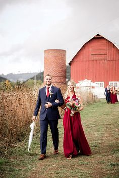 A Woodland, WA wedding that's the definition of farm chic with modern rustic decor, gorgeous barnwood signs, and colorful fall flowers in the rain! Autumn Wedding, Farm Wedding, Chic Wedding, Wedding Trends, Wedding Day, Autumn Inspiration, Wedding Inspiration, Bridal Shower Cards, Fall Color Palette