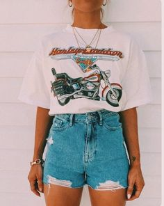 trendy outfits for school . trendy outfits for summer . trendy outfits for women . Vintage Summer Outfits, Classy Summer Outfits, Plus Size Summer Outfit, Cute Casual Outfits, Stylish Outfits, Outfit Summer, Cute Outfits With Shorts, Summer Clothes For Teens, Outfit Winter