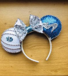 """""""A dream is a wish your heart makes ."""" Cinderella inspired ears going live today! Disney Ears Headband, Diy Disney Ears, Disney Minnie Mouse Ears, Disney Headbands, Disney Diy, Ear Headbands, Disney Crafts, Baby Disney, Disney Stuff"""