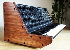 Custom Wood End Cheeks For Vintage MS-20 Synthesizers http://www.synthtopia.com/content/2016/08/09/custom-wood-end-cheeks-for-vintage-ms-20-synthesizers/ …
