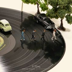Find a new version: The Beatles - Abbey Road - Cover - Page 6 - Entertain . Find a new version: The Beatles – Abbey Road – Cover – Page 6 – Entertainment, Music, Celebreties – Abbey Road, The Beatles, Beatles Songs, Miniature Calendar, Miniature Photography, Tiny World, Mini Things, Music Covers, Miniture Things