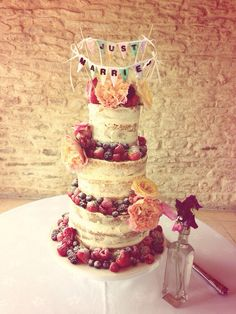 Mary Berry Wedding Cake. #cake #wedding #naked #kingscoteBarn #beautiful #yum #lovecake www.vanillapodbakery.com