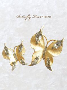 蝶々のアンティークブローチ TRIFARI(トリファリ)