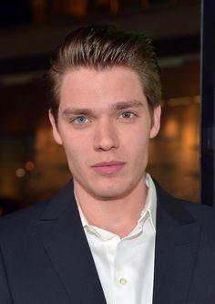 he has sectoral heterochromia - christian - dominic Sherwood - vampire academy