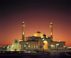 Dubai's Grand Mosque is a feast for the soul. Bur Dubai offers access to multiple places of interest and tourist attractions. The Grand Mosque should certainly be on your calendar and is a veritable feast for the soul. The Mosque is located right between the Dubai Museum and the noted textile souk in Bur Dubai. It is in close proximity to a pristine stream and was first constructed in the year 1900. Continue Reading on #GoldenSandsBlog #DubaiTourGuide