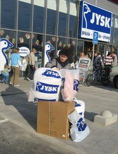 Den 26. oktober 2006 åbner JYSK Nordic den første butik i Slovakiet i byen Trenčín. Slovakiet drives som et såkaldt appendix-land af den tjekkiske organisation.
