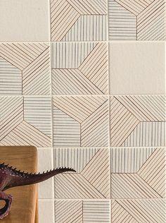 Porcelain stoneware wall/floor tiles TRATTI TRIPLE by MUTINA | design Inga Sempé