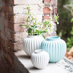La céramique du célèbre danois Schollert Vase, Decoration, Mint, Art Floral, Designers, Home Decor, Danish Language, Plants, Winter
