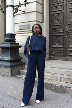 How to keep your business attire smart yet casual? Read on and find out everything you need to know about smart casual dress code. Mode Outfits, Chic Outfits, Fashion Outfits, Outfits 2016, Dress Outfits, Fall Outfits, Looks Street Style, Looks Style, Mode Monochrome