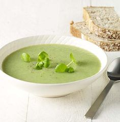 How to prepare watercress soup - All the Recipes Bowl Of Soup, Soup And Salad, Watercress Soup, Soup Recipes, Healthy Recipes, Healthy Food, B Food, Recipe Details, Thermomix