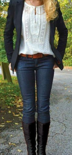 herbst outfit f rs b ro jeans stiefel bluse schwarzer blazer - ro rs Winter Fashion Casual, Casual Winter Outfits, Autumn Winter Fashion, Autumn Fall, Casual Fall, Autumn Style, Stylish Outfits, Spring Outfits, Spring Fashion