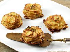 RECIPE - herby potatoes from the muffin tin (Source : (Source : http://translate.google.com/translate?depth=1=en=translate.google.com=de=en=http://peho.typepad.com/chili_und_ciabatta/2012/11/gekr%25C3%25A4uterte-annakartoffeln-aus-der-muffinform.html) #recipe #potato