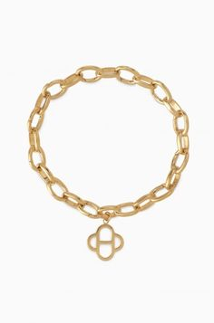 Express yourself in this gold charm bracelet with room for your bracelet charms. The Gold Signature Link Charm Bracelet from Stella & Dot is a luxe gold bracelet. 14k Gold Bracelet, Bracelet Charms, Bracelets, Jewelry Party, Costume Jewelry, Stella Dot, Jewelry Accessories, Fashion Jewelry, Charmed