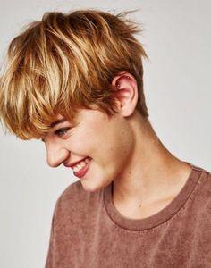 Coole Frisur für Tomboy #tomboyhairstyles Coole Frisur für Tomboy #haircuts #buben #kurzhaarfrisuren2018 #2019 #dyke #haar #kurzhaarmodelle #kurzhaarschnitt #männer #kurzehaarschnitte #androgynoushair