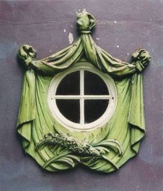 Ornamental Oeil-De-Boeuf