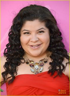Raini Rodriguez Lovely In Red At The 2013 Kids' Choice Awards Born Raini Rodriguez, Disney Channel Stars, Disney Stars, Austin E Ally, Kids Choice Awards 2013, Popular People, Famous People, Laura Marano, Amazing Songs