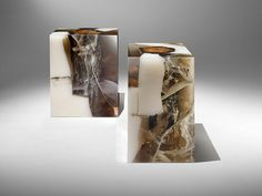 Tabouret Quartz, Nucleo (Ammann Gallery) Courtesy of the artist and Ammann Gallery Old Furniture, Refurbished Furniture, Table Furniture, Furniture Design, Trunk Side Table, Side Tables, Art Et Design, Futuristic Furniture, Small Tables