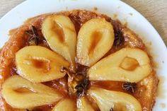 Francouzský hruškový obrácený koláč Sweet Desserts, Sweet Recipes, Grapefruit, Macaroni And Cheese, Cooking, Ethnic Recipes, Food, Pears, Baking Center