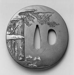 y1930-150 : Tsuba (sword guard)