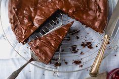 Flourless Chocolate Cake With Glaze