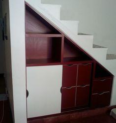 casa botafogo - na cozinha aproveitamento do espaço sob e escada - projeto Margareth Salles