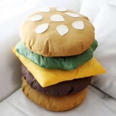 Learn how to sew an awesome stackable cheeseburger pillow!