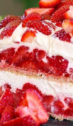 Strawberry Shortcake No-Bake Ice Box Cake cake cheesecake cake cupcakes cake decoration cake fancy dessert cake Strawberry Icebox Cake, Strawberry Desserts, Köstliche Desserts, Frozen Desserts, Dessert Recipes, No Bake Strawberry Shortcake Recipe, Icebox Desserts, Icebox Cake Recipes, Baked Strawberries