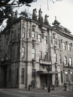 University of Santo Tomas ~ Manila, Philippines ~ October 2008 University Of Santo Tomas, Philippine Architecture, Subic Bay, Filipino Culture, Catholic University, Filipiniana, Thousand Islands, Manila Philippines, Baguio