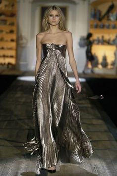 Roberto Cavalli. love the color !