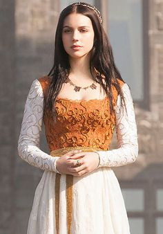 Adelaide Kane as Mary the Queen of Scots in the CW television show, Reign Adelaide Kane, Die Queen, Queen Mary, Queen Elizabeth, Marie Stuart, Reign Tv Show, Reign Mary, Reign Dresses, Reign Fashion