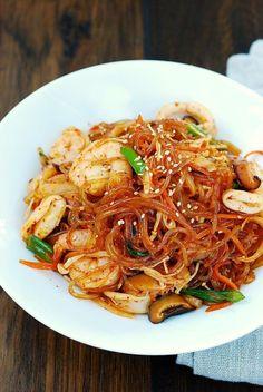 Spicy Seafood Japchae Korean Sweet Potato Noodles, Sweet Potato Stir Fry, Stir Fry Glass Noodles, Korean Glass Noodles, Asian Noodles, Korean Dishes, Korean Food, Japchae Recipe Korean, Seafood Recipes