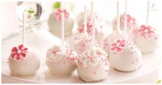 Make this elegant recipe to celebrate baby showers, birthdays, engagements, kitchen teas, or a special afternoon tea with friends. Cakepops, Chocolate Fudge Frosting, Chocolate Cake, White Chocolate, Flower Cake Pops, Foundant, Buy Cake, Icing Flowers, Bridal Shower Cakes
